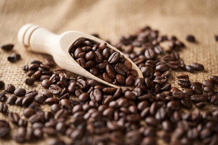 「コーヒーの豆かす素材」とは?食品廃棄物から多彩なグッズへ生まれ変わる万能素材で、サステナブルを実現